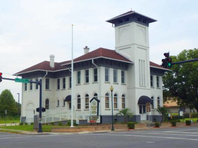front of the old city hall building in live oak florida
